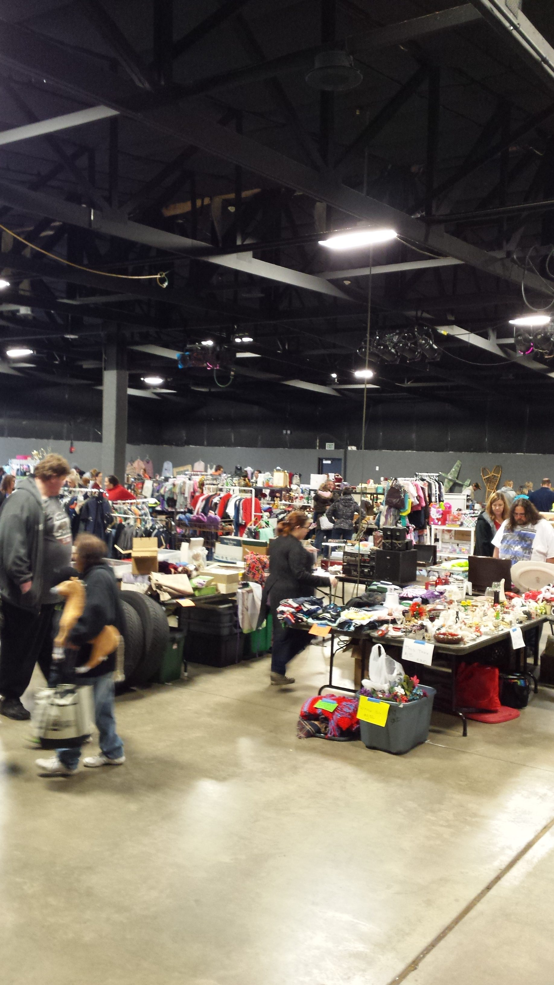 Expo center indooe garage sale valpo
